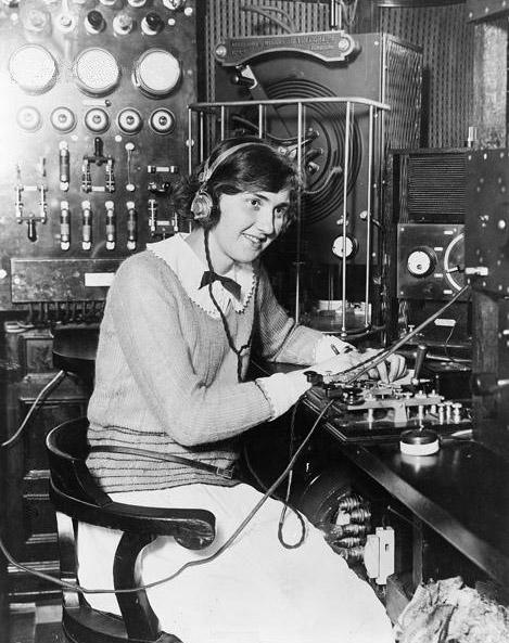 marconi_radio_operator_1922.jpg