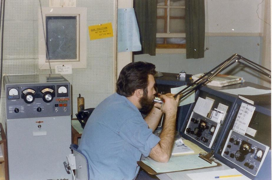Radio Console Desk a Desk Console Hidden