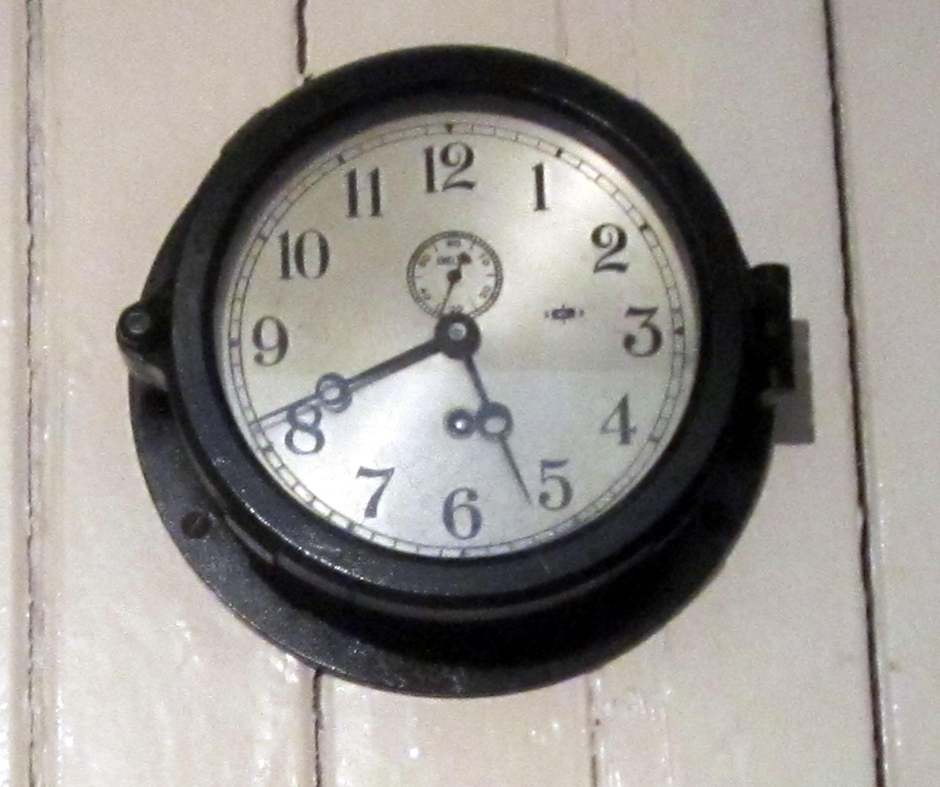 /st_roch_regular_clock.jpg